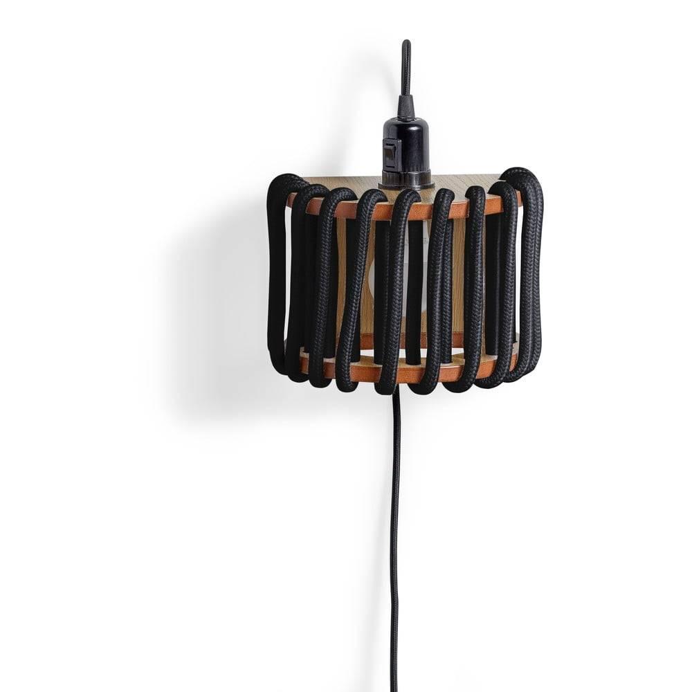 EMKO Čierna nástenná lampa s drevenou konštrukciou EMKO Macaron, dĺžka 20 cm